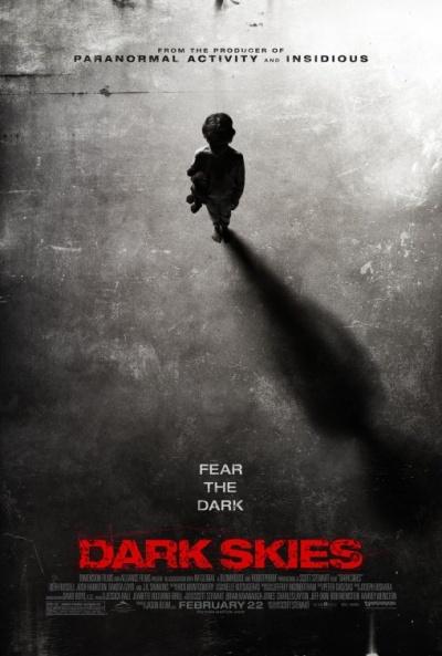Cine de Terror - Página 4 Dark_skies_16124