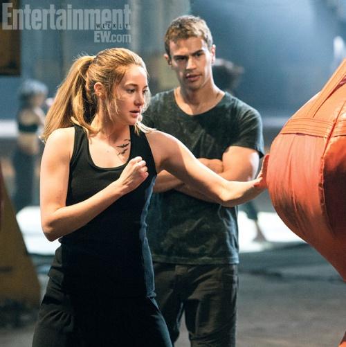 Divergent -- ¿Los siguientes Juegos del Hanbre? 36926