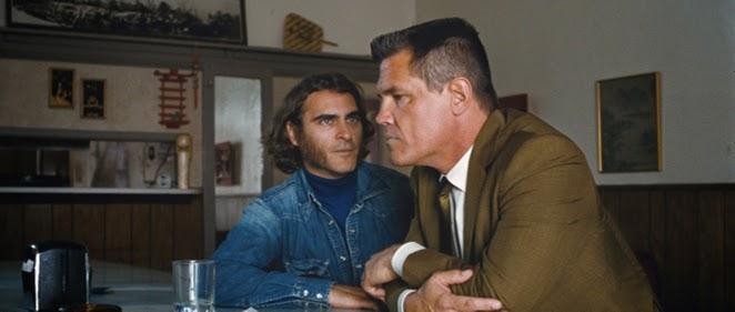 Joaquin Phoenix es Larry ''Doc'' Sportello. </br>Primer tr�iler (y cartel) de 'Inherent Vice'