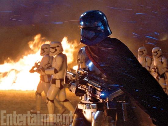 Post -- Star Wars Episodio VII -- 20 de Abril a la venta en BR y DVD - Página 7 77056